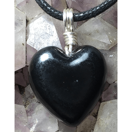 shungite-twisted-silver-heart-necklace-pendant